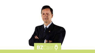 Photo of Sérgio Augusto, Procurador da Fazenda, professor universitário e escritor conversando e ensinando sobre economia.