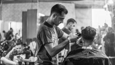 Photo of Fernanda Dib superou preconceitos e prosperou no segmento de barbearias, ramo tradicionalmente masculino