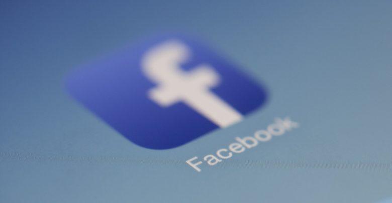 Facebook empata com televisão, como principal fonte de informações