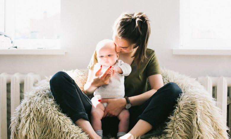 Fintech aproveita Dia das Mães para fazer campanha por emprego para elas