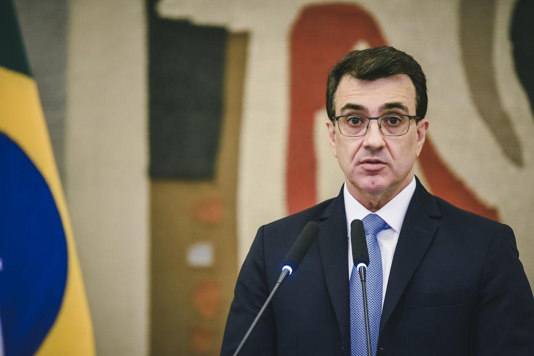 EXPECTATIVAS SOBRE O NOVO MINISTRO DAS RELAÇÕES EXTERIORES DO BRASIL
